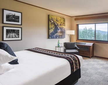 river view room at skamania